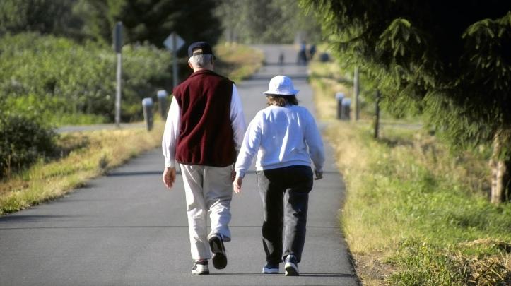 walking-elderly